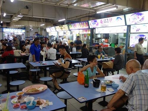 シンガポールのChinatown Hawker centerで排骨麺_c0030645_13195431.jpg