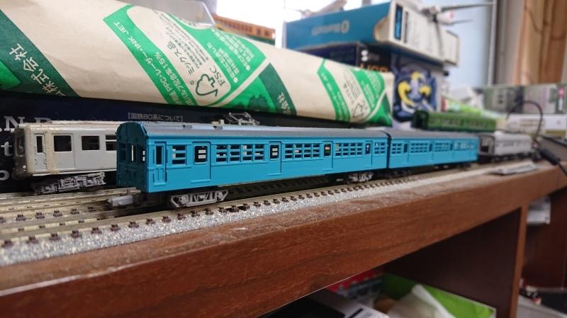 【模型】72・73系の下回りとベンチレーターを失くした_b0062178_16463465.jpg