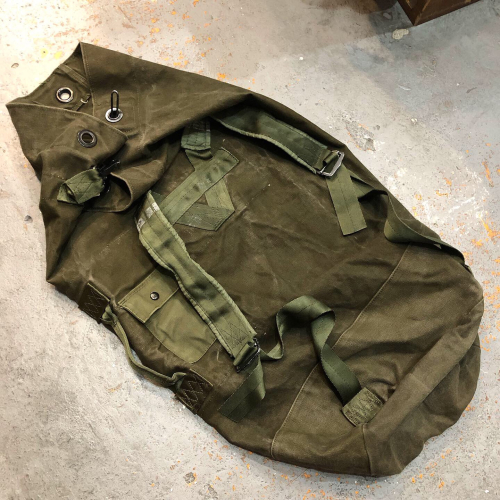 ◇ U.S.ARMY Duffle Bag & 明日(8/7)の休みのお知らせ ◇_c0059778_22563212.jpg