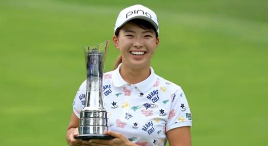 \'Smiling Cinderella\'(笑顔のシンデレラ)、全英女子オープン・ゴルフ優勝と世界中で大反響!!_b0007805_00330104.jpg