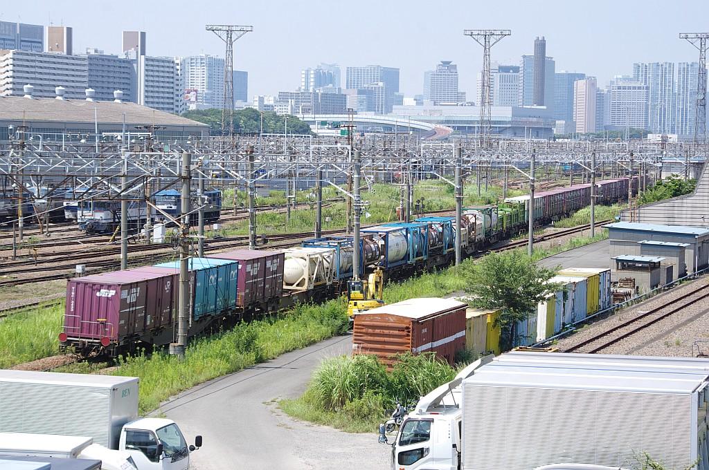 8/3東京貨物ターミナルにて2092レのコキとコンテナ_f0203926_22234579.jpg