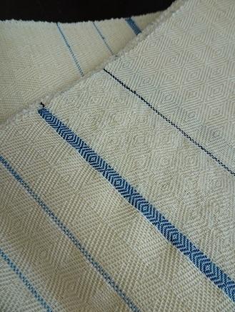 新しい『阿波藍とアイボリー』半巾帯は、山形斜文です。_f0177373_18484553.jpg