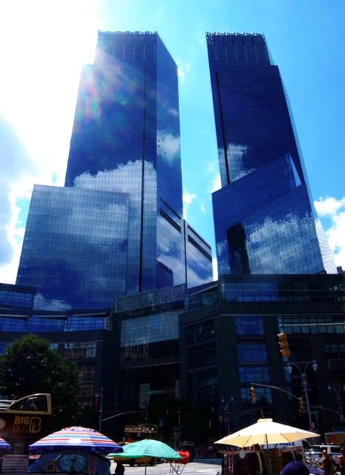 近年、ニューヨークでは「スレンダー」な高層ビルがトレンド⁉_b0007805_02510541.jpg
