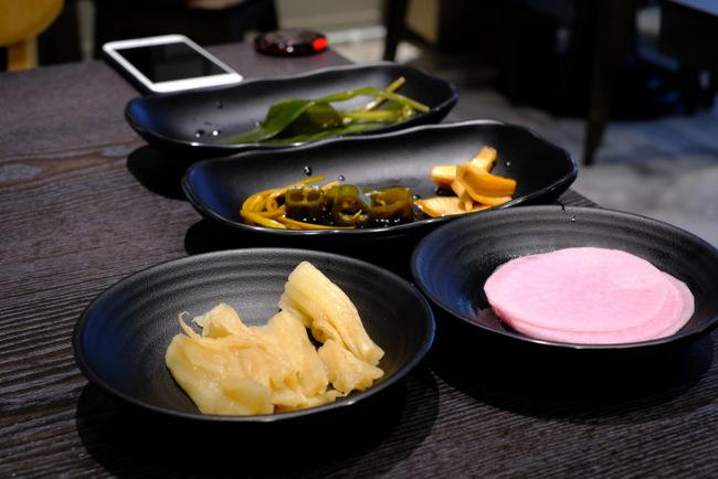 「新橋 ヨプの王豚 熟成豚肉サムギョプサル」_a0000029_09563152.jpg