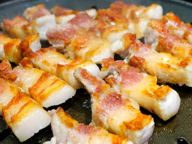 「新橋 ヨプの王豚 熟成豚肉サムギョプサル」_a0000029_09594372.jpg
