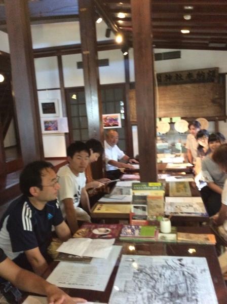 山中小学校の先生方が「芭蕉の館」を視察研修。_f0289632_20543001.jpg