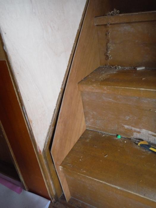 室内リフォーム ~ 階段の重ね張り_d0165368_07090718.jpg