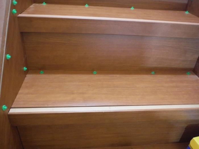室内リフォーム ~ 階段の重ね張り_d0165368_07095542.jpg