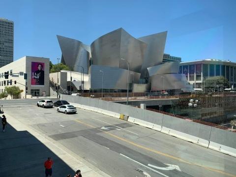 ロサンゼルス公演へ_f0028323_19003616.jpeg