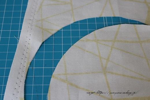 円形底のカーブをミシンで綺麗に仕上げる方法♪(縫い方のポイントレッスン)_f0023333_22313402.jpg