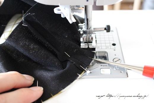 円形底のカーブをミシンで綺麗に仕上げる方法♪(縫い方のポイントレッスン)_f0023333_22313595.jpg