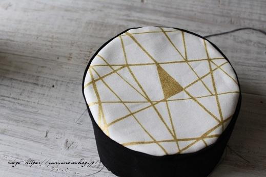 円形底のカーブをミシンで綺麗に仕上げる方法♪(縫い方のポイントレッスン)_f0023333_23194267.jpg