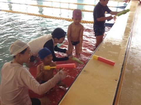 夏短期教室2期 水中祭り!!_b0286596_18081475.jpg