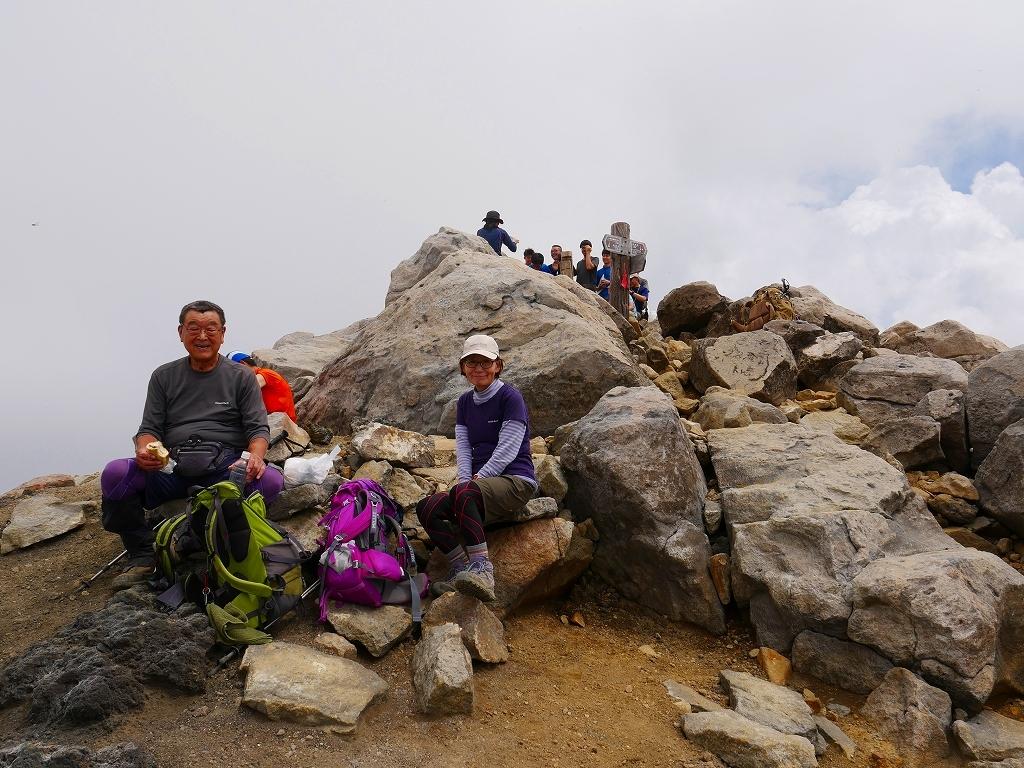 上富良野岳から十勝岳ピストン、2019.8.7ーその1ー_f0138096_13234025.jpg