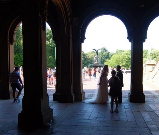 セントラルパークのベセスダの噴水(Bethesda Fountain)広場へ・・・_b0007805_05502932.jpg