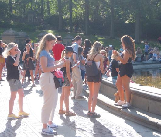 セントラルパークのベセスダの噴水、暑い夏の日ならではの風情と美しさ_b0007805_06253740.jpg