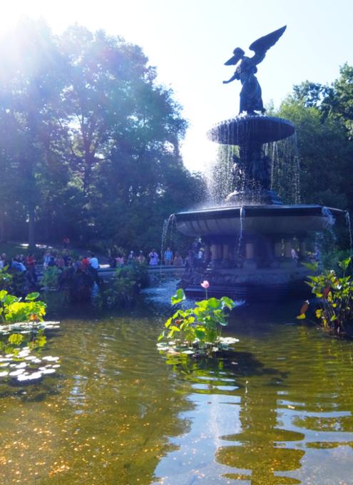 セントラルパークのベセスダの噴水、暑い夏の日ならではの風情と美しさ_b0007805_06271895.jpg