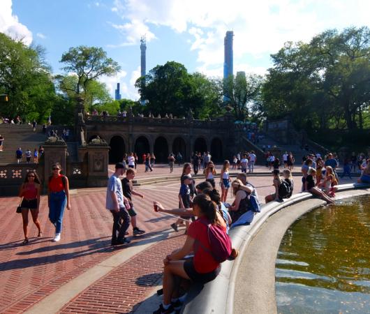 セントラルパークのベセスダの噴水、暑い夏の日ならではの風情と美しさ_b0007805_06323000.jpg