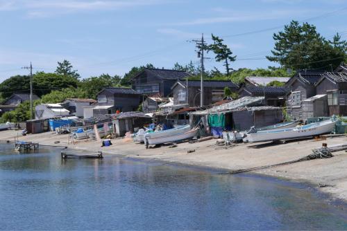 海界の村を歩く 日本海 舳倉島_d0147406_09491944.jpg