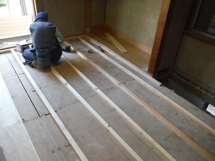 室内リフォーム ~ 和室の床とクロス工事_d0165368_09010630.jpg
