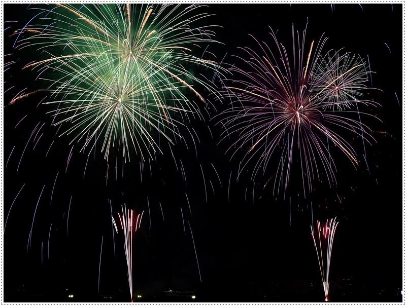 大分の夏祭り その4 花火大会 色鮮やかな花火も良いけど、日本古来の花火も素敵です_b0175688_07433019.jpg