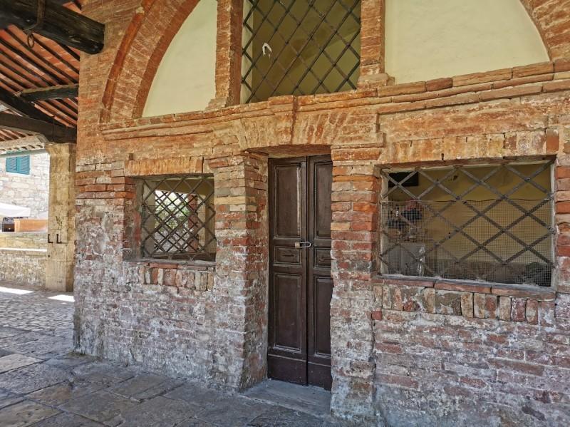 村の広場に温泉が湧くバーニョ・ヴィニョーニ_f0106597_00482216.jpg