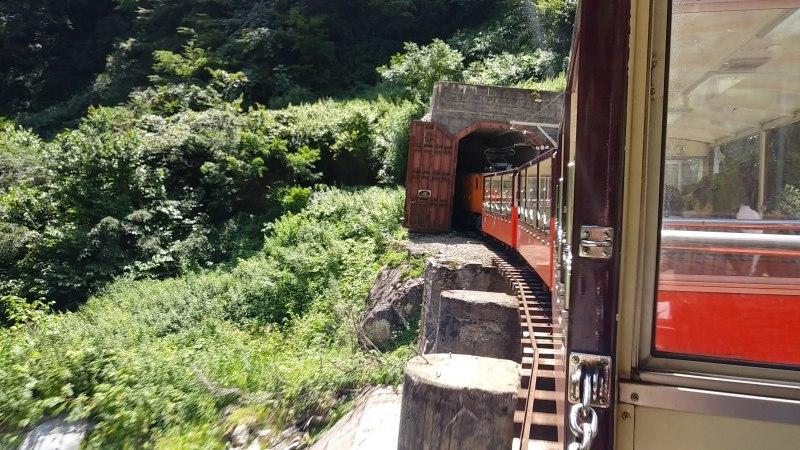 富山で黒部峡谷鉄道とパラグライダー体験_f0153703_18385972.jpg