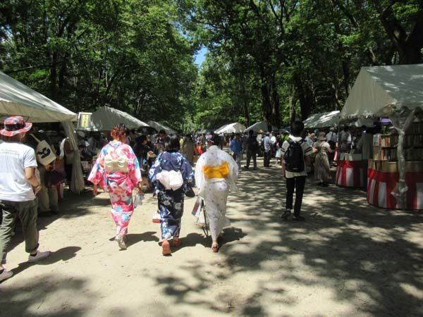 納涼古本まつり 下賀茂神社糺の森_e0048413_21593260.jpg