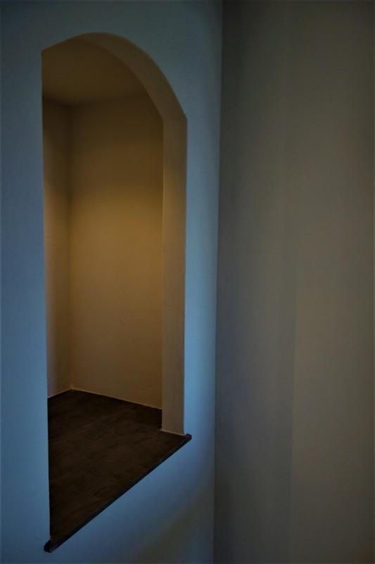 洞の飾り棚_e0156341_18150443.jpg
