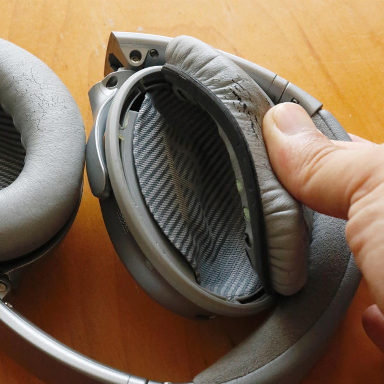 Boseヘッドホンの耳パッド交換は簡単でした_c0060143_00314206.jpg