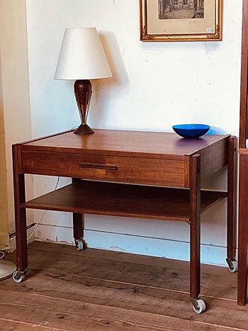 Sewing table_c0139773_14353178.jpg