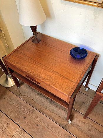 Sewing table_c0139773_14353912.jpg