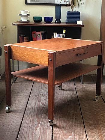 Sewing table_c0139773_14354986.jpg