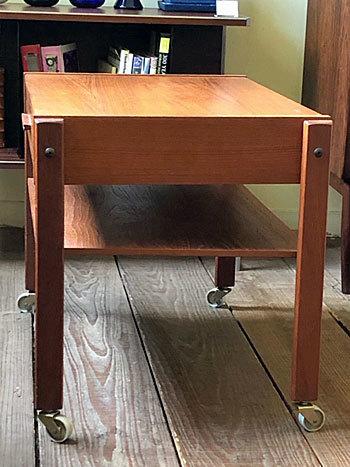 Sewing table_c0139773_14355956.jpg