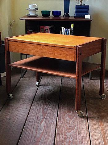 Sewing table_c0139773_14360873.jpg