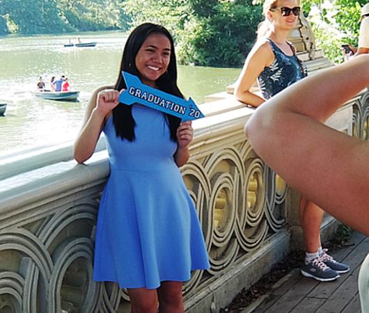 夏のセントラルパーク、美しい小橋、ボウ・ブリッジ(Bow Bridge)に広がる笑顔_b0007805_04191743.jpg