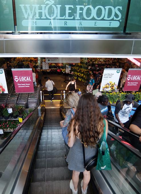 セントラルパークのすぐ近くにあるホール・フーズ(Whole Foods)のコロンバス・サークル店_b0007805_08272466.jpg
