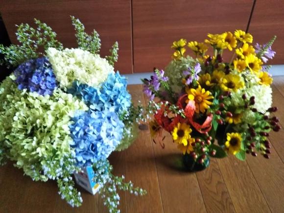 お墓参りの花のアレンジと紫陽花は・・・_f0316507_21044550.jpg