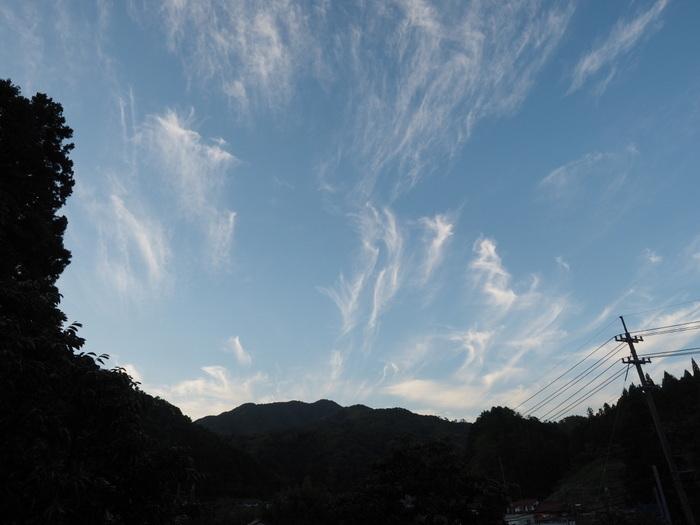 夕暮れの雲_c0116915_22595723.jpg