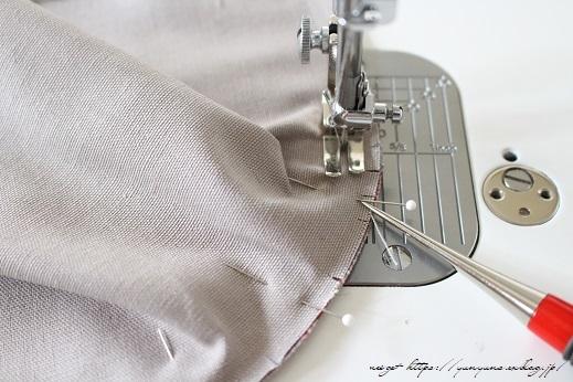側面のカーブをミシンで綺麗に縫い仕上げる方法(縫い方のポイントレッスン)_f0023333_23130282.jpg