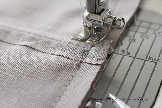 側面のカーブをミシンで綺麗に縫い仕上げる方法(縫い方のポイントレッスン)_f0023333_23342259.jpg