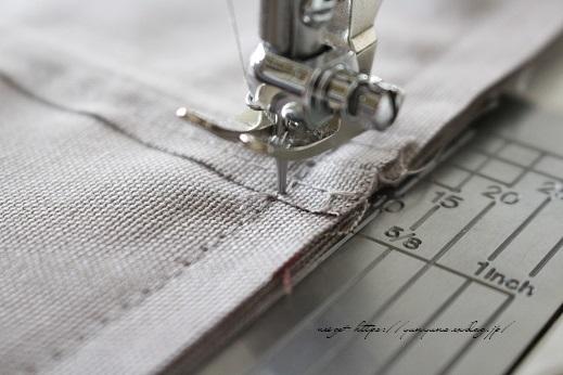 側面のカーブをミシンで綺麗に縫い仕上げる方法(縫い方のポイントレッスン)_f0023333_23342263.jpg