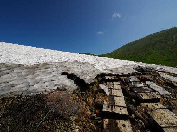 夏の月山 雪渓を越えて_a0351368_23290615.jpg