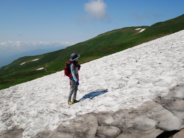夏の月山 雪渓を越えて_a0351368_23310163.jpg