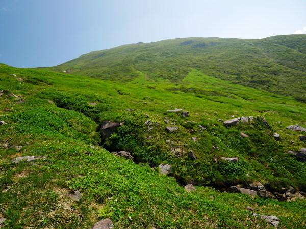 夏の月山 雪渓を越えて_a0351368_23314206.jpg