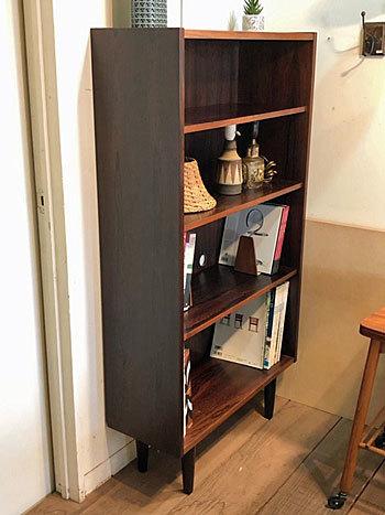 Bookshelf_c0139773_17172880.jpg