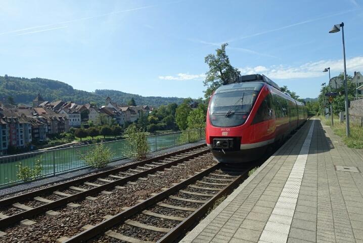 ライン川を挟んでドイツとスイス、、、ラウフェンブルグ_c0211876_05183890.jpg