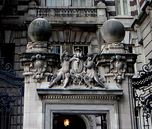 NY屈指の美建築、ボザール様式の高級住宅コープ、ザ・ドリルトン (The Dorilton、1902年竣工)_b0007805_01504824.jpg