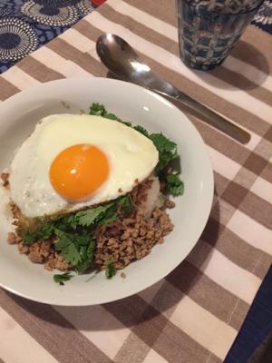 生姜肉そぼろごはん@赤道、と美味しいバゲット発見_f0101128_11070772.jpg