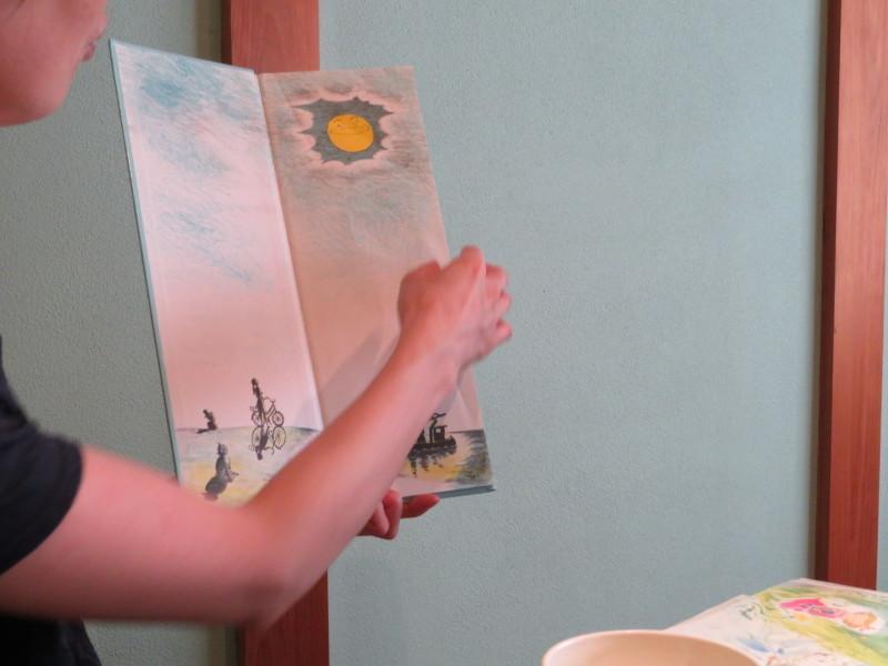 絵本の会のこと、その醍醐味と、紹介してもらった絵本たち_f0129557_15593761.jpg